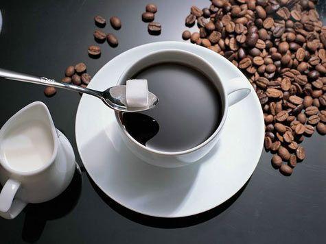 Bạn có thể pha những tách cà phê đen đá ngon tuyệt ngay tại nhà
