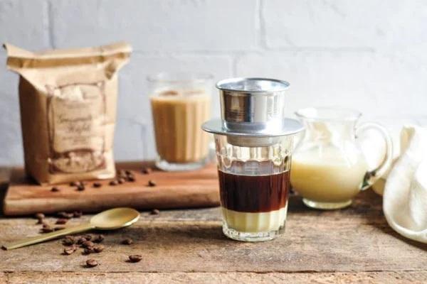 Cà phê pha phin là cách thưởng thức độc đáo của người Việt Nam