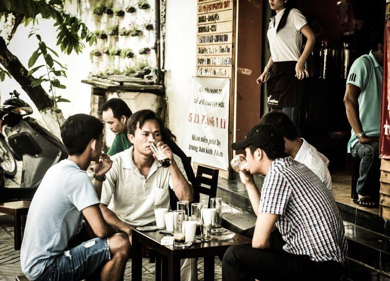 Cafe là hương vị thân thuộc với người Việt
