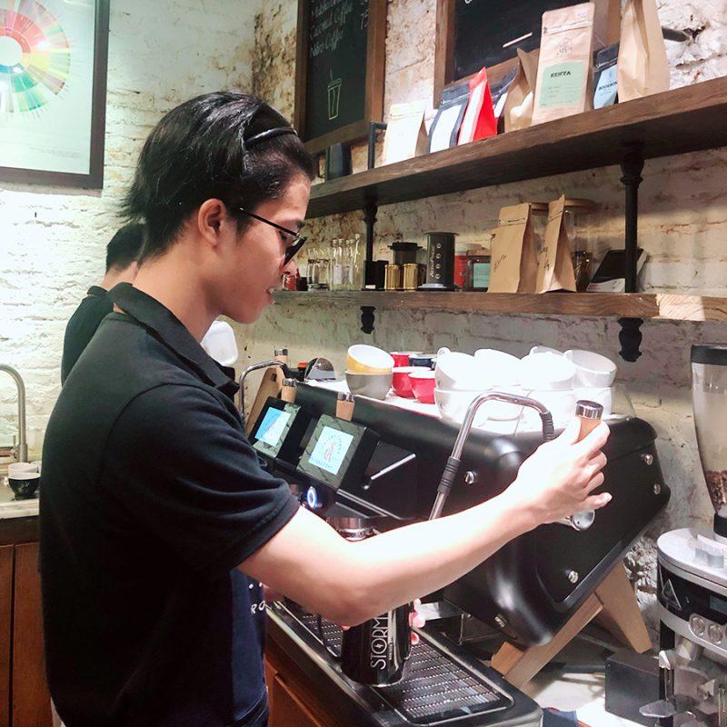 Ổn định chất lượng cà phê hơn với máy pha cà phê
