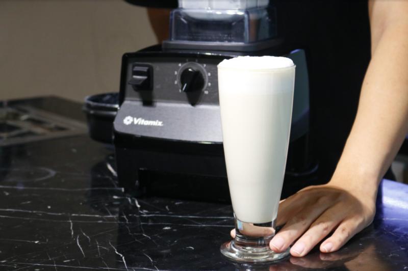 Có nên dùng máy xay sinh tố làm sữa đậu nành?